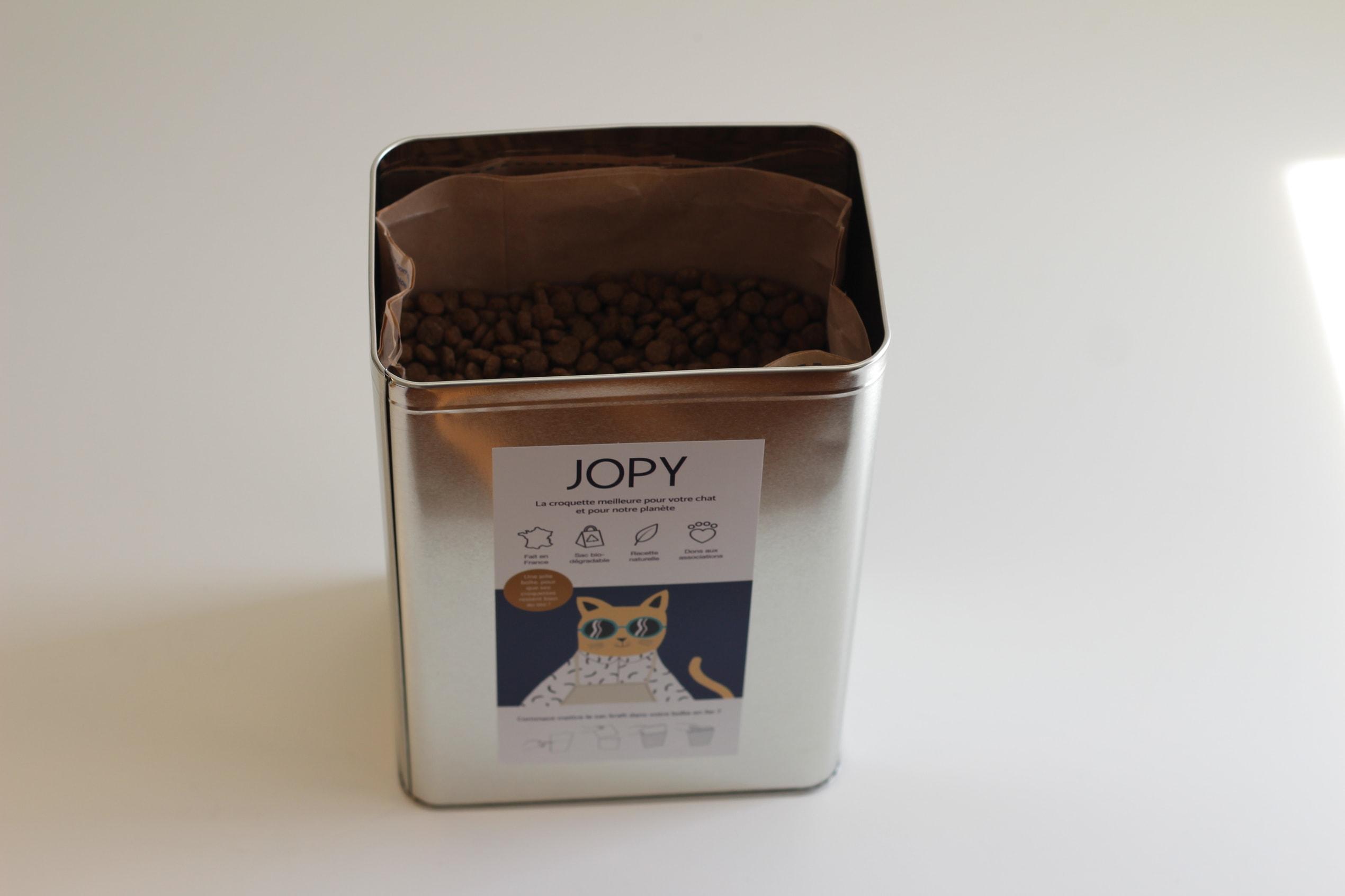 Boîte en métal, article blog Jopy, abonnement croquettes